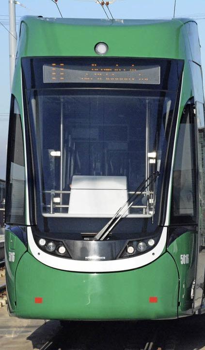 Die Tram 8 in Weil   | Foto: Lauber
