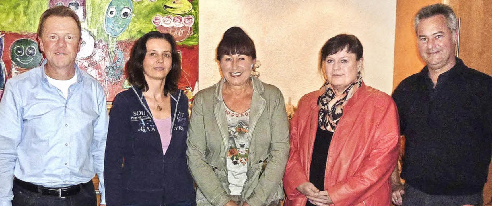Der bisherige und der neue Vorstand de...links, nicht im Bild Heike Schmarje).     Foto: Privat