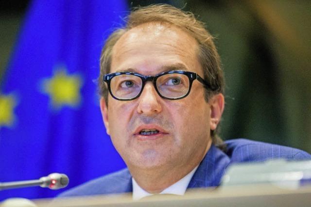 Der Verkehrsminister sieht in unzureichenden europäischen Regeln den Grund für die VW-Abgasaffäre
