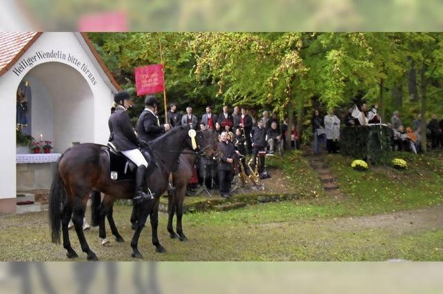 Größte Reiterprozession in der Region