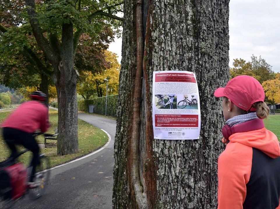 Entlang des Dreisamuferwegs hat die Po...Flyer verteilt und Plakate aufgehängt.  | Foto: Thomas Kunz