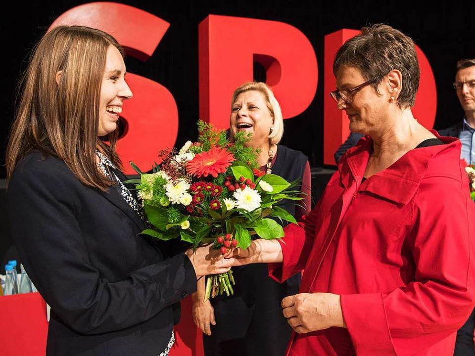 Leni Breymaier, die neue Landesvorsitz... und ihre Generalsekretärin Luisa Boos  | Foto: dpa