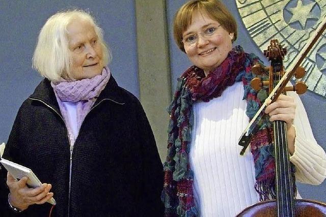 Rose Ausländer: Schreiben ist Leben - Überleben. Referentin: Helle Trede. Improvisationen: Ingrid Harrmann, Cello. In Hinterzarten.