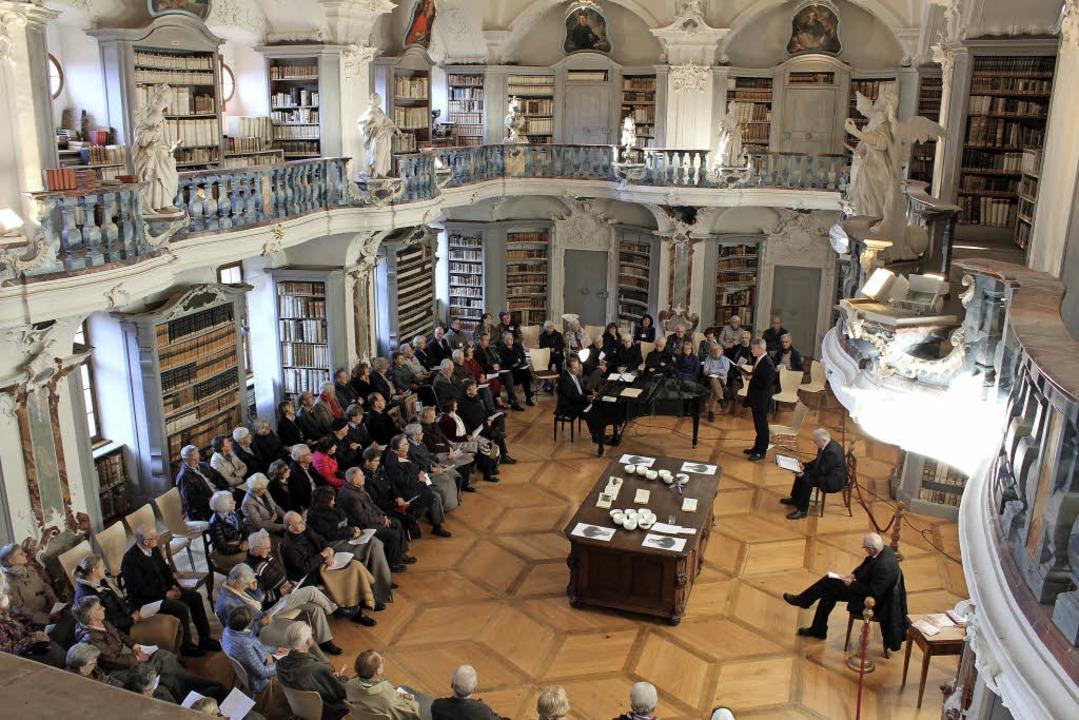 Die Rokokobibliothek im ehemaligen Ben...taltungsort für die Hommage an Hebel.   | Foto: Erich Krieger