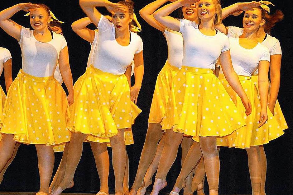 """Die verschiedenen Tanzgruppen des TV Wyhl begeisterten mit ihrem """"Dance Event"""" das Publikum in der Turn- und Festhalle. (Foto: Jürgen Schweizer)"""
