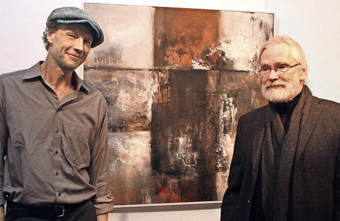 Thomas Lefeldt (rechts) mit Clemens Hu...Einführung in Lefeldts Werk übernahm.     Foto: Ute Kienzler
