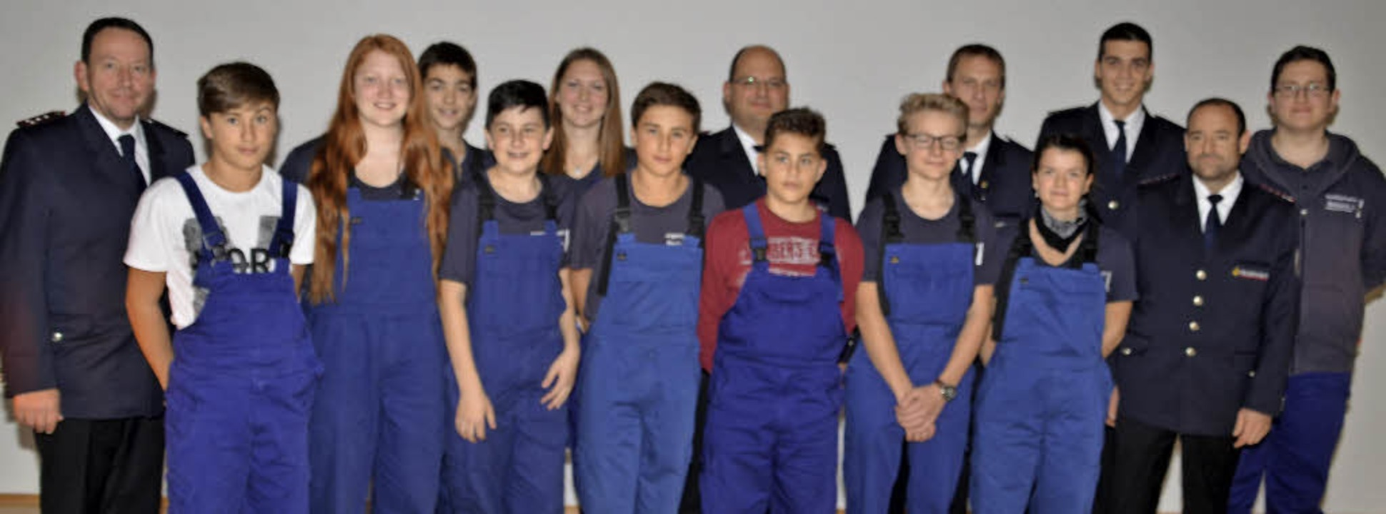 Zum zehnjährigen Bestehen der  Jugendf...Jochen Böhme (vordere Reihe, rechts).   | Foto: Hans-Jochen Voigt