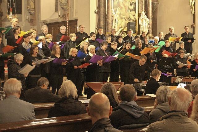 Kirchenchor mit Percussion-Ensemble