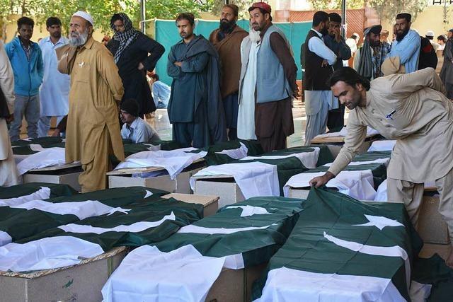 Vermutlich Islamisten töten Dutzende Polizeischüler