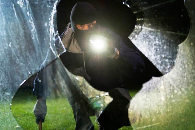 Einbruch in Kenzinger Wohnhaus – Polizei sucht Zeugen