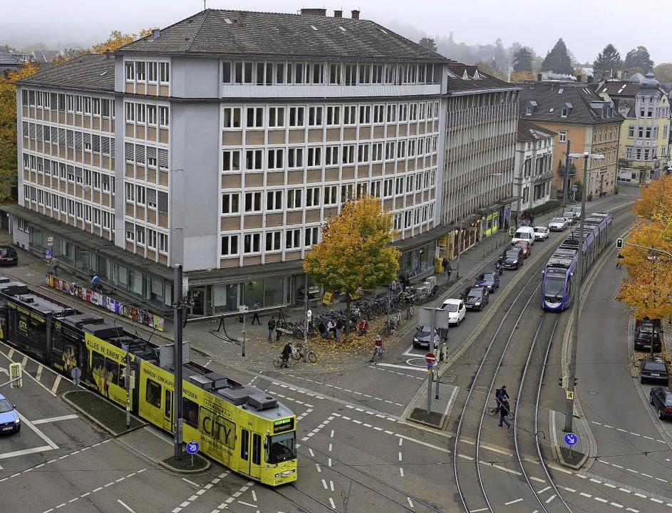 Das Bürgeramt an der Basler Straße sol...auft, aber möglichst erhalten werden.   | Foto: ingo schneider