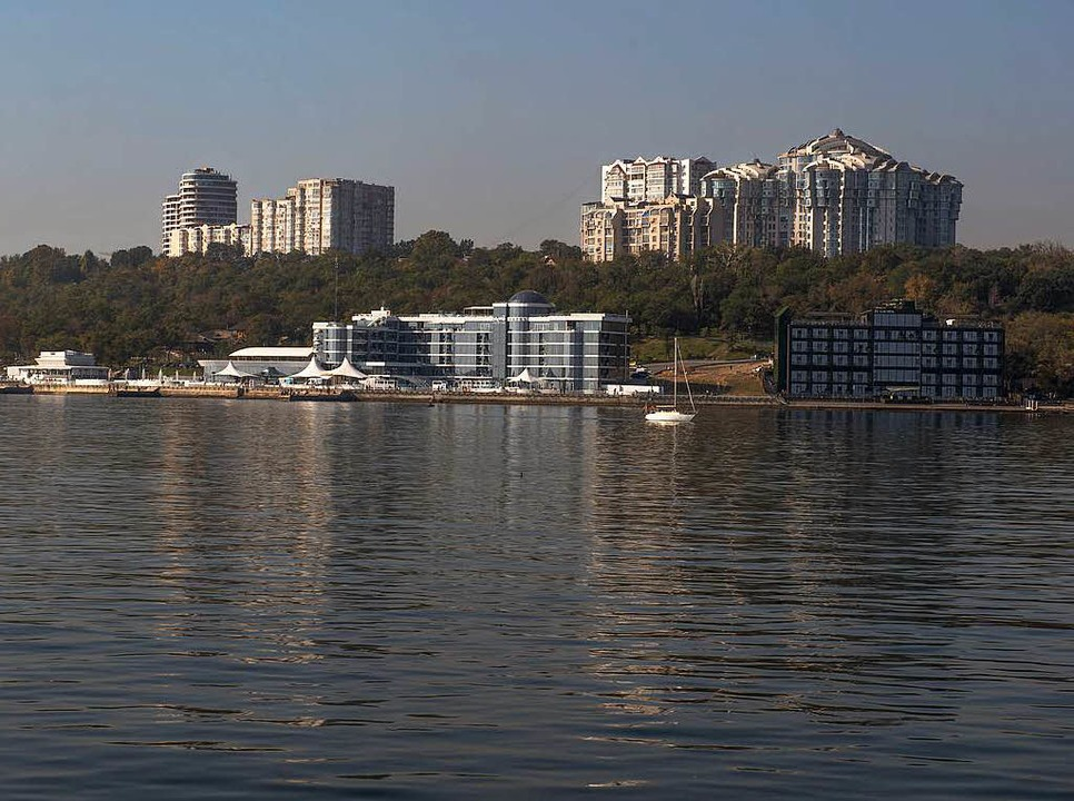 Neue Bausünden: Odessa in Beton        Foto: ali ghandtschi