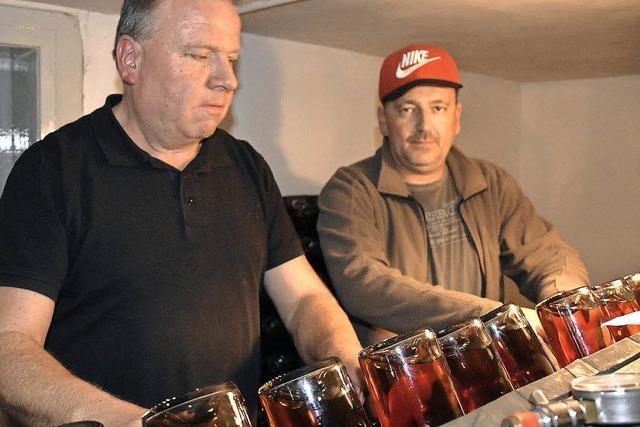 Steinacker-Wein kommt ins Eichenfass