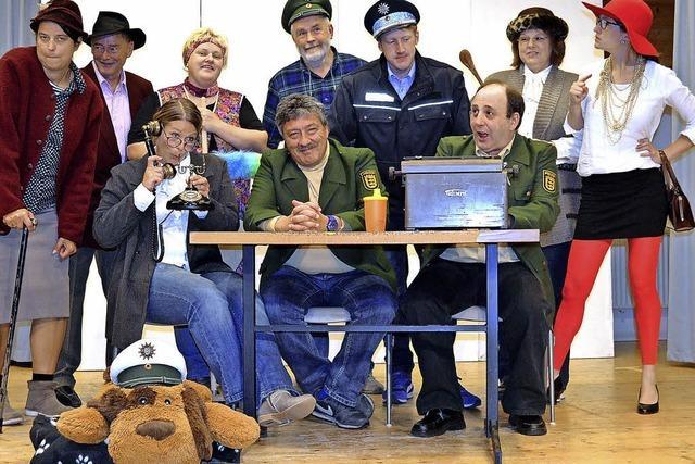 Mit den Bühnenfreunden St. Johannes: Polizeiwache 007. In Friedenweiler