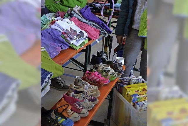 Kinderbekleidung, Spielzeug und Zubehör in St. Märgen