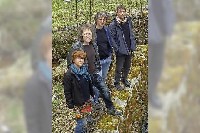 Mit Martin Ketterer (Gitarre und Gesang), Wilfried Bär (Bass), Bertram Zausig (Gitarre) und Sabine Zausig (Gesang) in Bonndorf