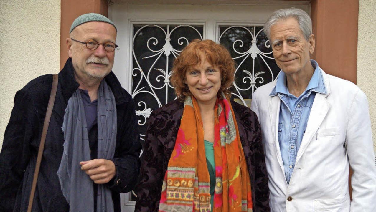 Drei der vier Vorstandsmitglieder des ...yer-Erben, Andrea Gawaz und Rolf Eder   | Foto: Silke Hartenstein