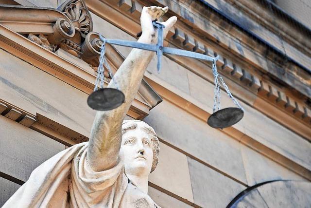 47-Jähriger wegen Mordes an Waffenhändler angeklagt