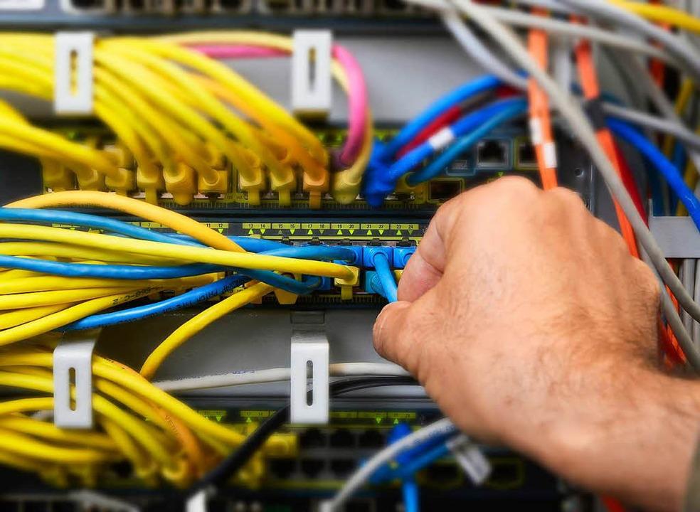 Der Ausbau fürs schnelle Internet komm... von 50 Megabit pro Sekunde erreichen.  | Foto: Ingo Schneider