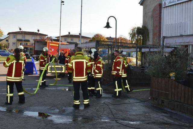 Brand in Billard-Zentrum im Gewerbegebiet – keine Verletzten