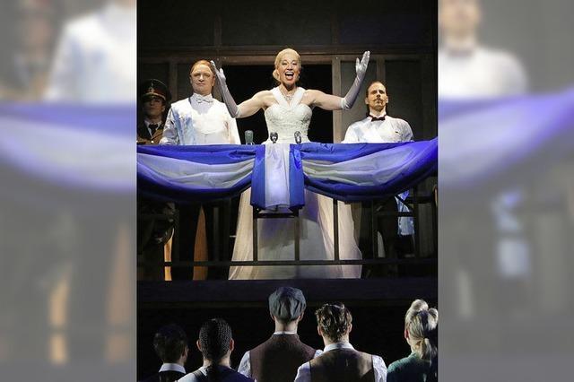 Evita von Andrew Lloyd Webber in der Oberrheinhalle in Offenburg