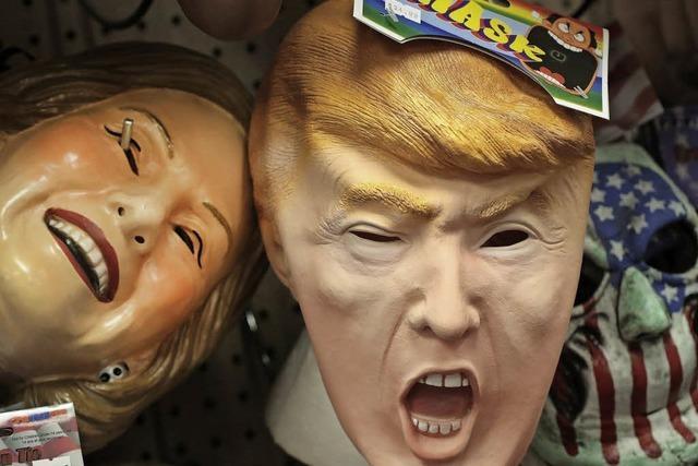 Beliebter als Clowns: Trump- und Clinton-Masken für Halloween