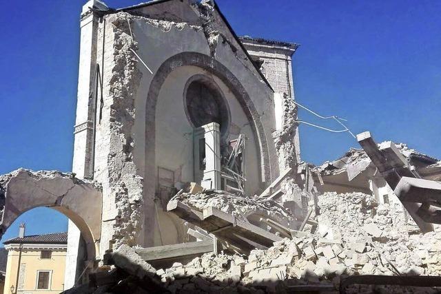 Stärkstes Erdbeben seit 1980: Fast 30.000 Menschen obdachlos