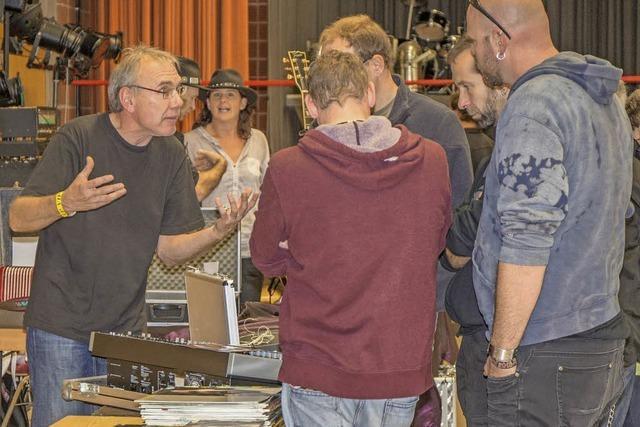 Besucher tauchen ein in Musikwelt
