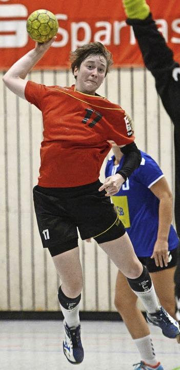 Die HSG-Handballerin   mit eingebauter Torgarantie: Nadine Czok   | Foto: Patrick Seeger