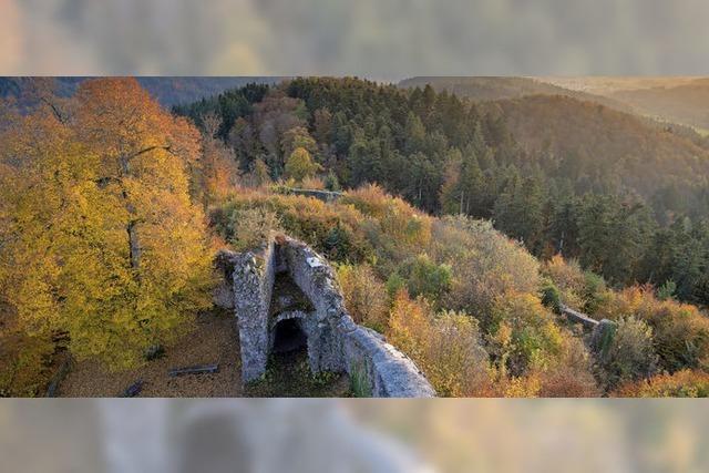 Die Sausenburg im Herbstkleid