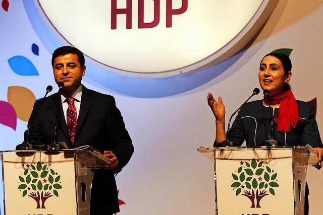 Türkei: Schwere Explosion nach Abgeordneten-Festnahmen