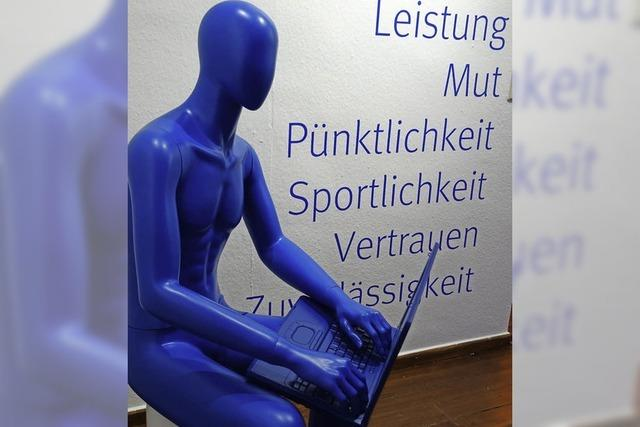 Blau mit allen Sinnen erfahren
