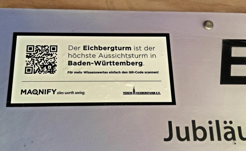 Inzwischen hilft auch ein QR-Code Turmbesuchern  weiter.   | Foto: Werner Fischer