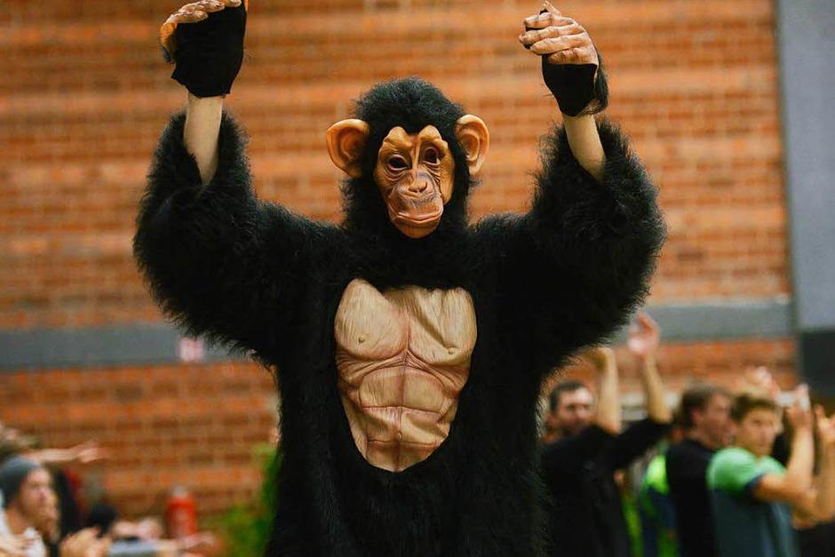So sieht es aus, das neue Affen-Maskottchen von 1844 Freiburg. Die Volleyballer des Vereins, die sich gerne als Affenbande bezeichnen, suchen für den behaarten Kerl noch einen griffigen Namen. (Foto: Patrick Seeger)