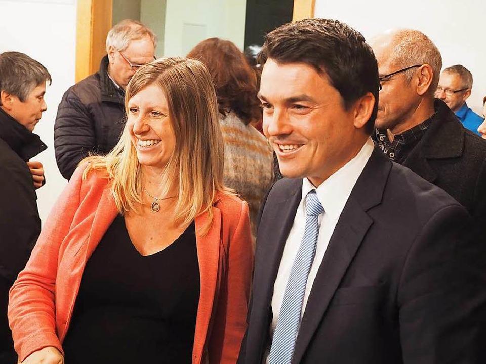 Matthias und Helena Gutbrod freuen sich über das Wahlergebnis.  | Foto: Susanne Gilg