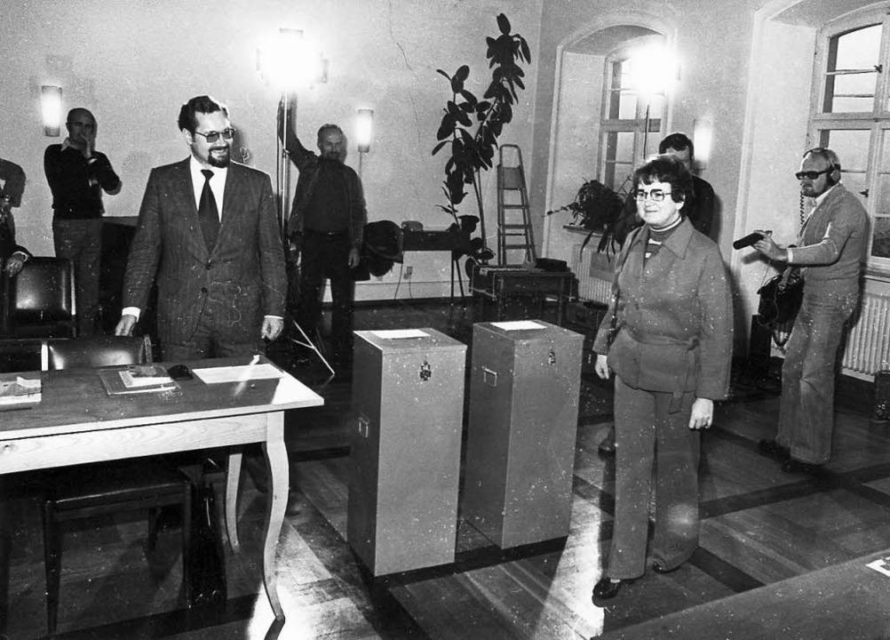 Die Verwaltungsleiterin des Ferienheim...hte als einzige Wählerin die Urne auf.  | Foto: Archiv  Fehrenbach