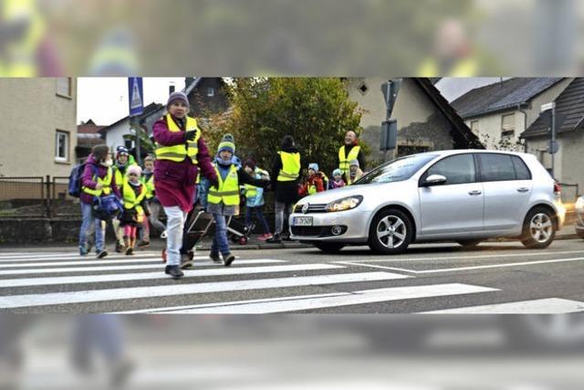 Per Laufbus sicher zur Schule