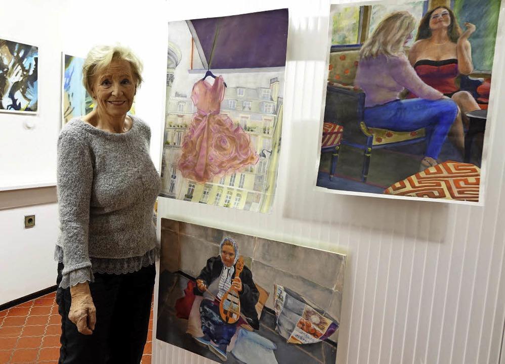 Ingeborg Eglin in ihrem neuen Galerie-Atelier     Foto: Roswitha Frey