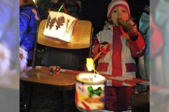 Leuchtende Kinderaugen, leuchtende Laternen