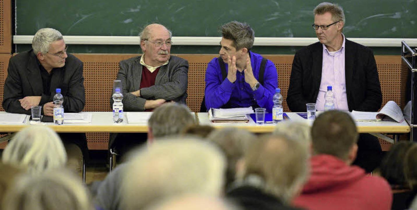 Diskutierten im sehr gut besuchten Uni...ter Ulrich von Kirchbach (von links).   | Foto: Ingo Schneider