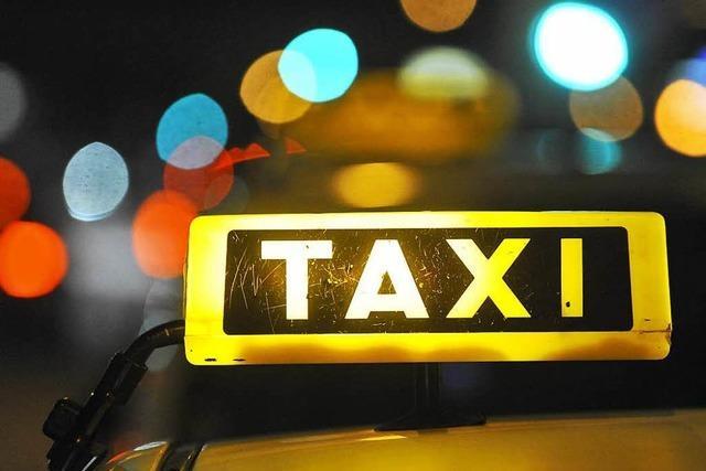 Polizei überwältigt Taxi-Dieb nach Verfolgungsjagd auf der A5