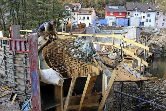 Brückenbau dauert noch an