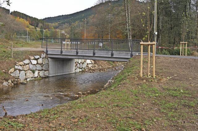 Sicherer und stabiler Weg über den Fluss