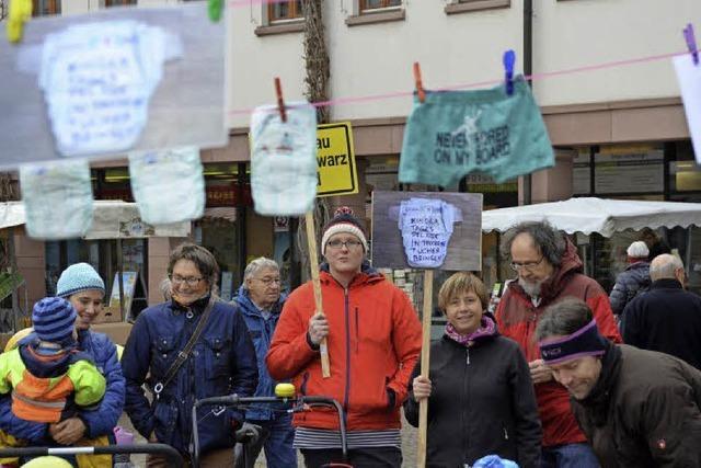 Windeln als Zeichen des Protests
