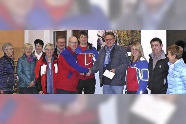 Kürbisfreunde Riedböhringen unterstützen Bergwacht Wutach