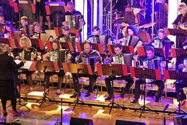 Showorchester Akonima gibt im Dezember Jahreskonzert in der Wehrer Stadthalle
