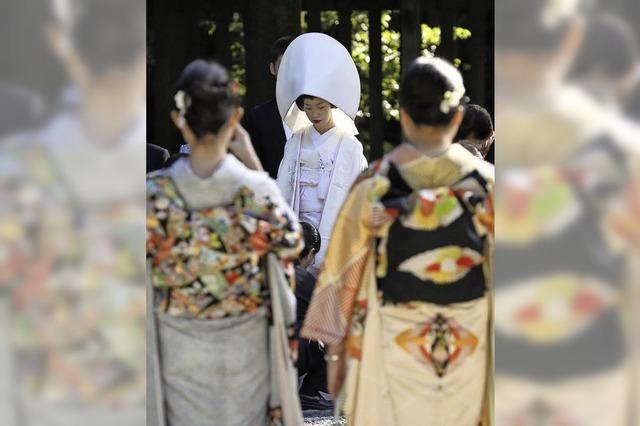 Immer mehr japanische Frauen heiraten sich selbst