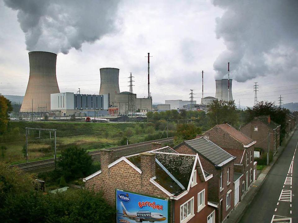 Experten halten den Weiterbetrieb des ...1; Köln liegt nur 60 Kilometer weiter.  | Foto: dpa