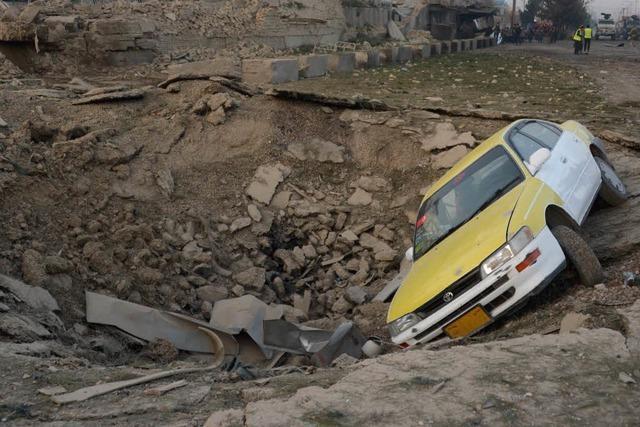 Mindestens sechs Tote: Anschlag der Taliban auf deutsches Konsulat in Masar-i-Sharif