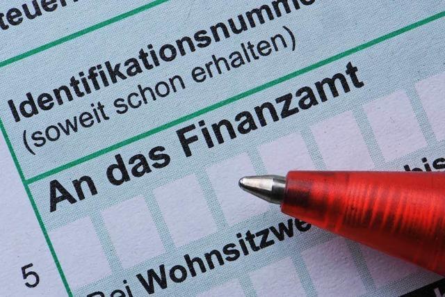 Steuerbescheide kommen später - dem Finanzamt Freiburg-Land fehlt Personal
